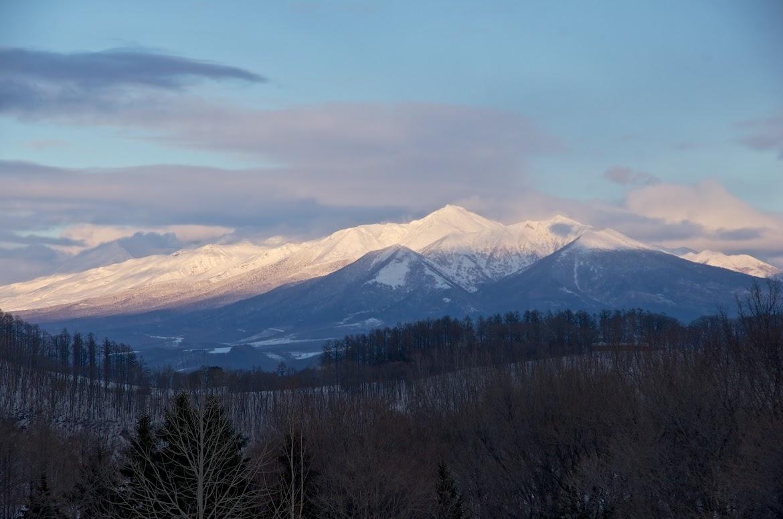 ベランダから望む十勝岳連峰