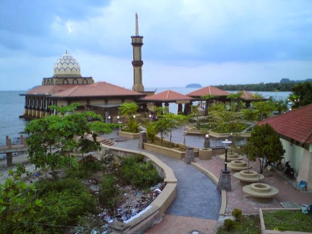 Masjid-Al-Hussain-kuala-perlis