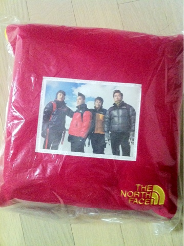 big bang north face ad blanket kpop