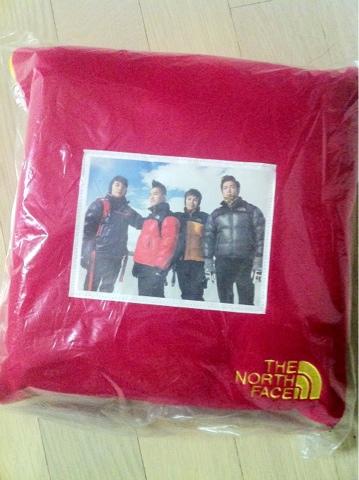 big bang north face ad blanket kpop