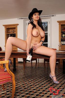 Sirale_wine bottles_1