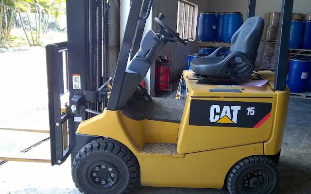 xe nang dien CAT
