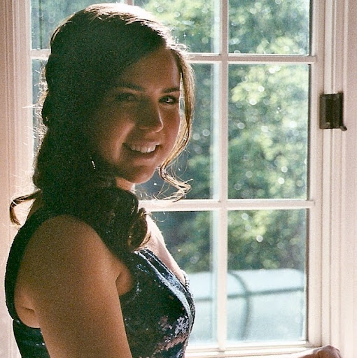 Alexandra Holmes Photo 10