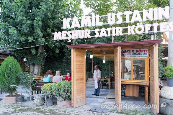 Kamil Usta'nın meşhur satır köfteleri restoranının ortamı, Termal yolu Yalova