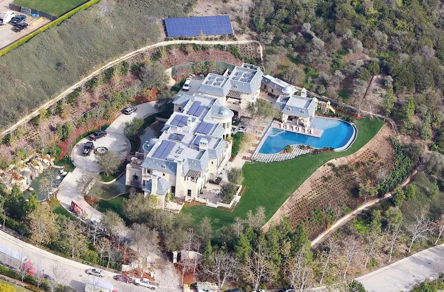 Gisele Tom Mansion 2
