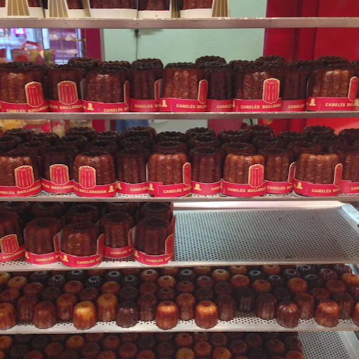 Caneles in Bordeaux. From 100 Places in France Every Woman Should Go