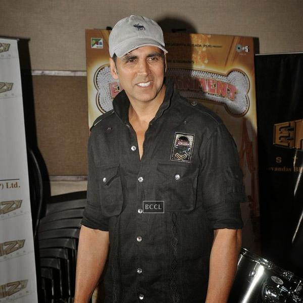 Akshay Kumar clicked on his arrival for a recording session for his movie It's Entertainment, in Mumbai, on July 23, 2014. (Pic: Viral Bhayani)