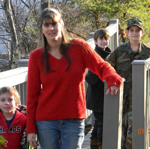 Rachel Withrow Photo 9