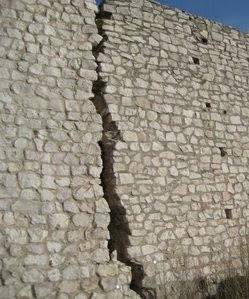 Muro con una grieta