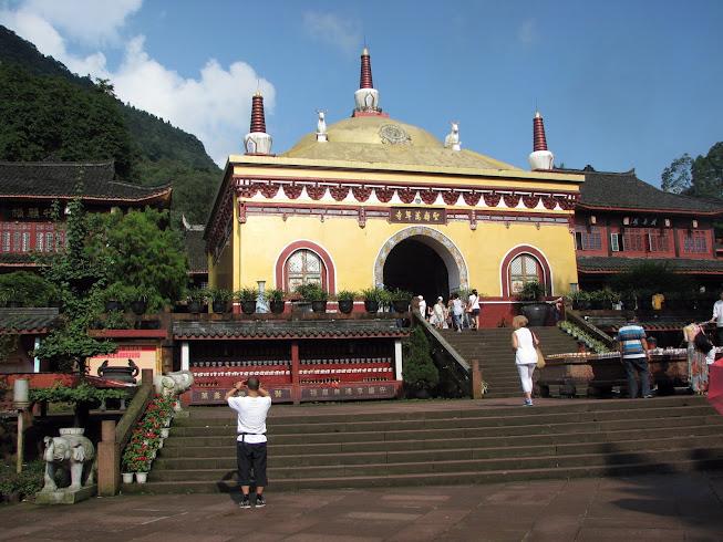 Wannian Temple, Emeishan, Sichuan