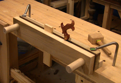 Close Grain Building A Moxon Double Screw Vise