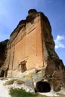 αρχαίο κτίριο με μαιάνδρους,μαίανδροι στην πρόσοψη,ancient building with meanders, meanders in front