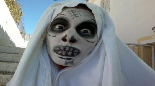 Maquillaje de halloween:mujer fantasma  muerto viviente