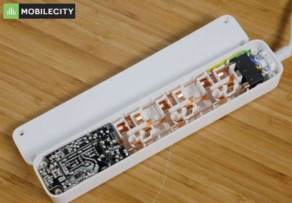Thiết kế của ổ cắm thông minh Xiaomi nhỏ gọn, chống nhiệt tốt