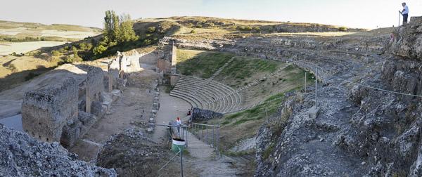 Colonia Clunia Sulpicia - Teatro