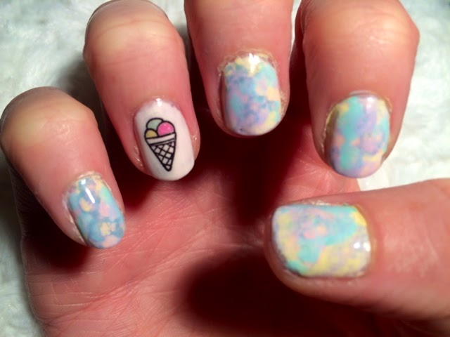 ice-cream-nail-art