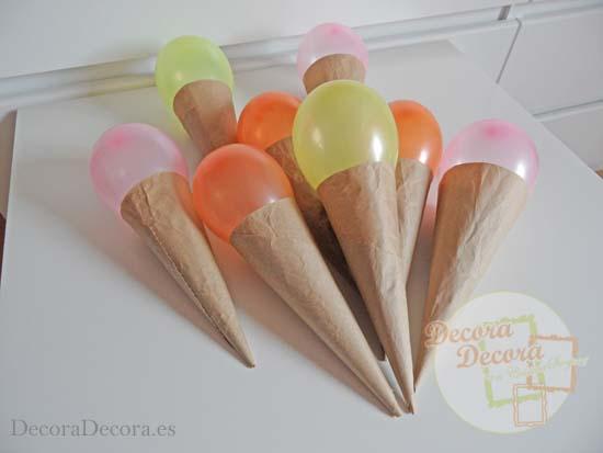 Cucuruchos de globos para fiestas.
