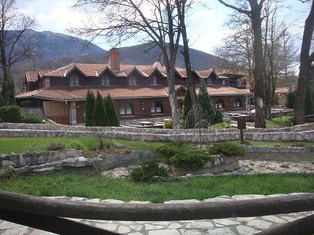 гостиничный комплекс возле горы Ртань