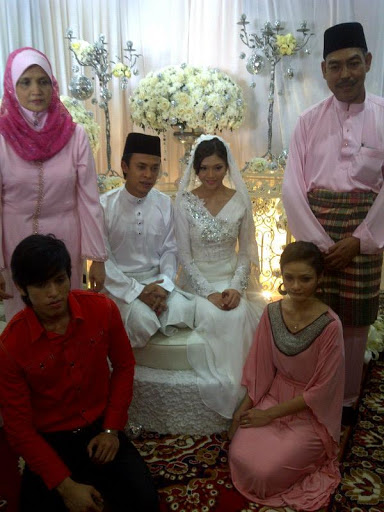 gambar majlis perkahwinan zahiril adzim dan sheira ayob