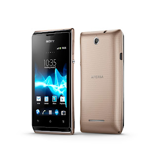 11_Xperia_E_dual_Group_Gold.jpg
