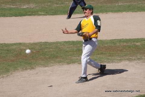 Alfredo Pérez Meza de Amigos en el softbol dominical