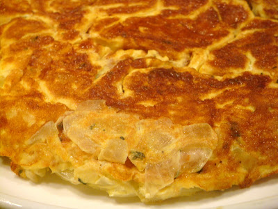 Onion and thyme frittata