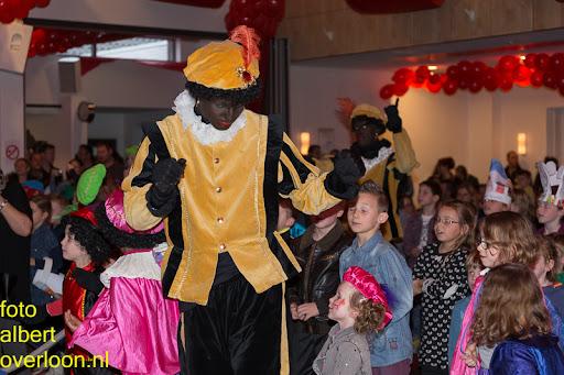 Intocht Sinterklaas overloon 16-11-2014 (74).jpg