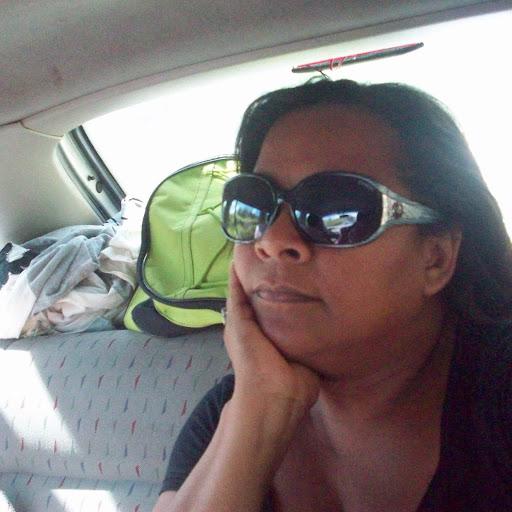 Lea Cabral Photo 15