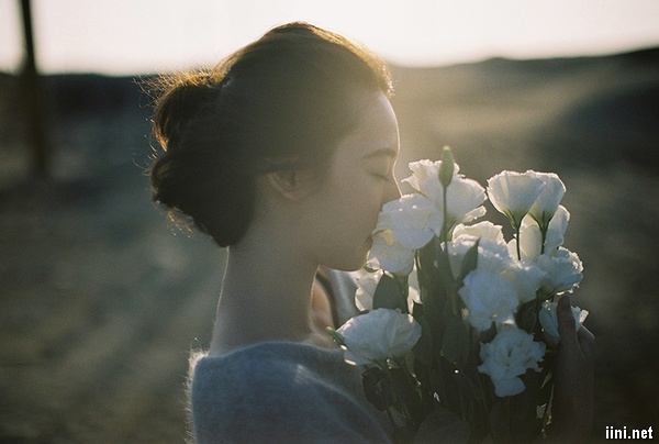 thơ người đàn bà đã cũ