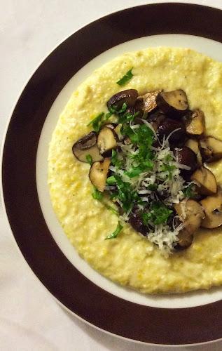 Polenta, mąka kukurydziana, grzyby, parmezan, kasza kukurydziana