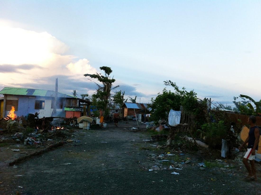 https://lh4.googleusercontent.com/-pFtD-VK2lJU/Utjqy6dAxRI/AAAAAAAADOQ/16HEyjPO6_E/w1101-h822-no/san-jose-tacloban-relief-008.jpg