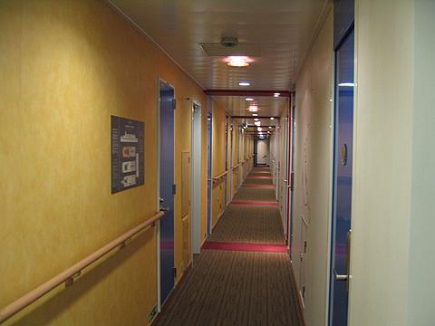 太平洋フェリー「きそ」 1等洋室 通路