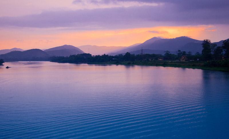 Sông Hương lúc hoàng hôn