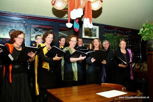 concert in kerstsfeer met cantiloon en palet overloon 13-12-2011 (20).JPG