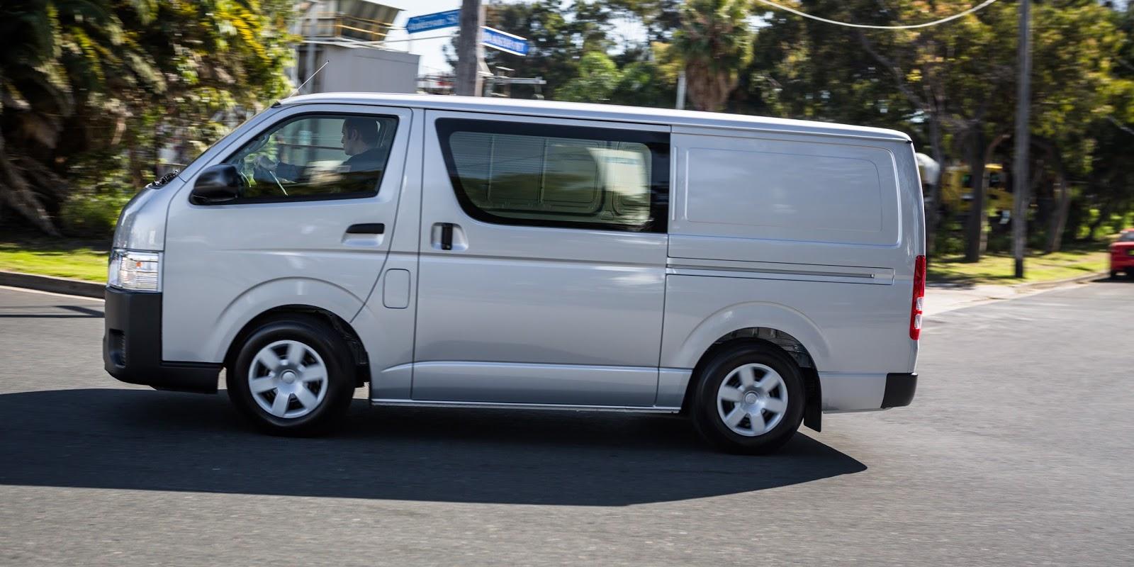 Toyota HiAce 2016