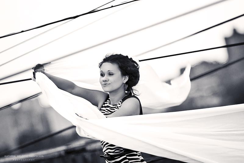 Фотосессия на крыше. Девушка на крыше. Фотограф Катрин Белоцерковская