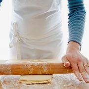 К чему снится месить тесто?