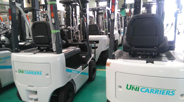 Nissan battery forklift by Unicarriers