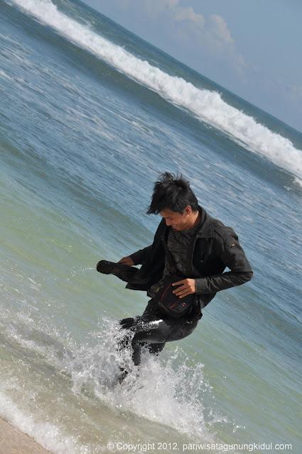Foto-foto Pantai Pulang Syawal (alias Indrayanti) Image200002
