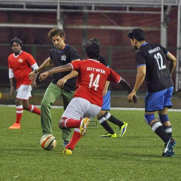Hrithik Roshan during a charity soccer match organised by Aamir's daughter Ira Khan, at Cooperage ground, on July 20, 2014.(Pic: Viral Bhayani)