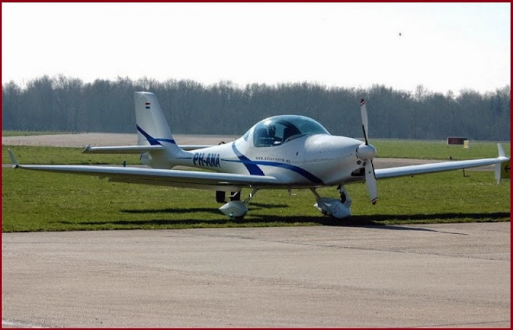 Aquila A 210
