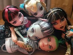 Algunas de l@s Monster High de MARINA: Cleo, Deuce, Frankie, Lagoona y Draculaura