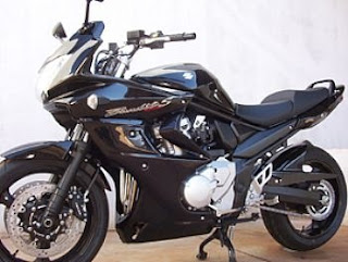 motos tunadas suzuki bandit 1200s tunada e modificada. Black Bedroom Furniture Sets. Home Design Ideas