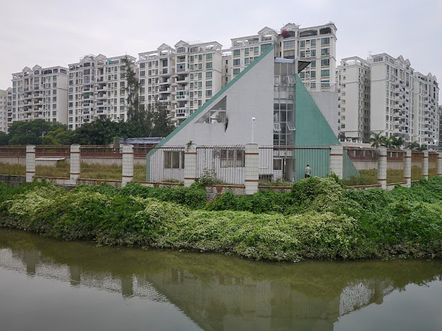 triangular shaped building at the border between Zhuhai and Macau
