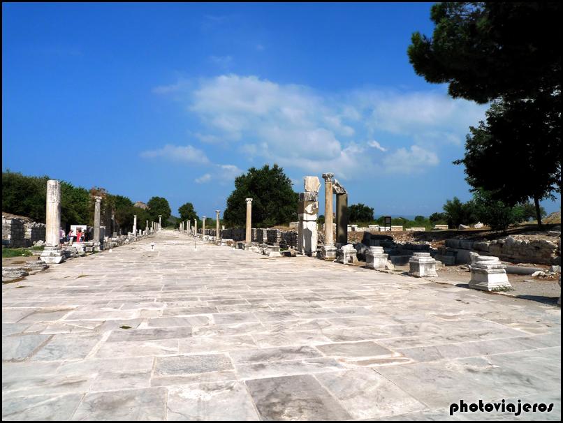 Vía Arcadia Efeso