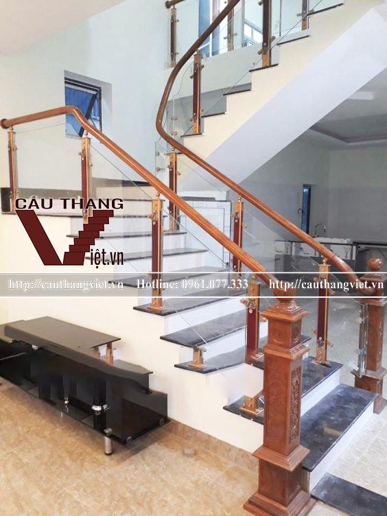mau cau thang kinh cuong luc chan hop kim nhom dep CTV K059 - 5 mẫu cầu thang kính chân hợp kim nhôm đẹp giá rẻ bất ngờ