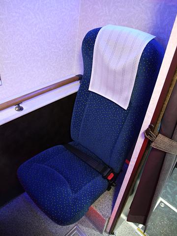 中国バス「広福ライナー」 G1106 後部パウダールーム用シート