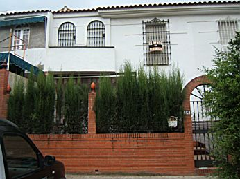 Venta de casa en sevilla este sevilla c viento 16 for Jardines del eden sevilla