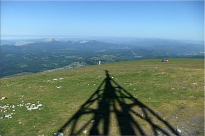 Amplia panorámica desde la cima de Gorbeia