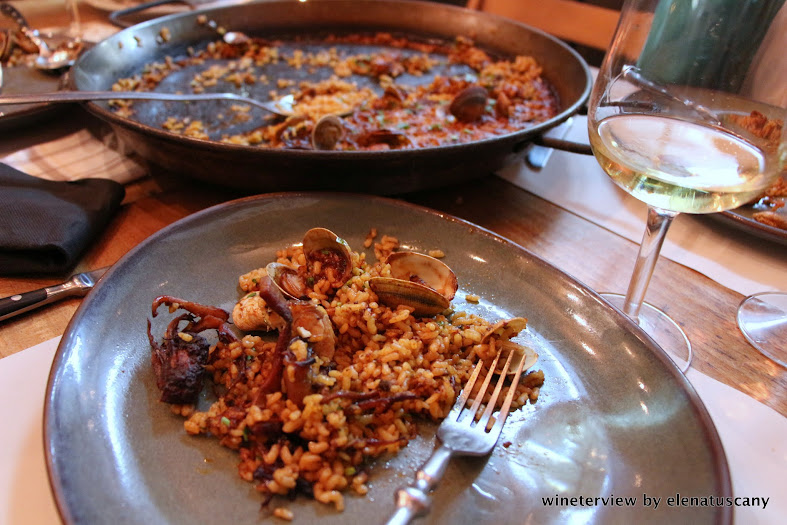 paella, la barracca, restaurant, barceloneta, barcelona, dinner, wine